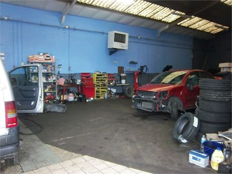 Vente garage yvelines 78 80 000 ladc for Vente fond de commerce garage automobile