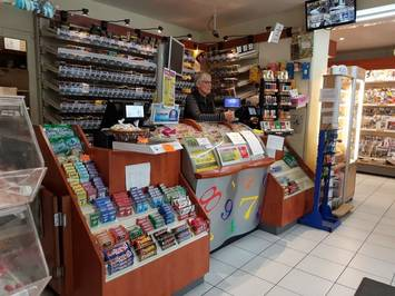 photo 3 - Vente - Tabac - Loisirs - Loto - Papeterie - Presse - Ain (01) 275 000 €